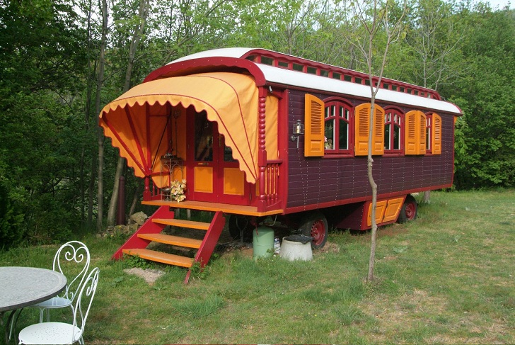 Caravans Living On Wheels While Traveling