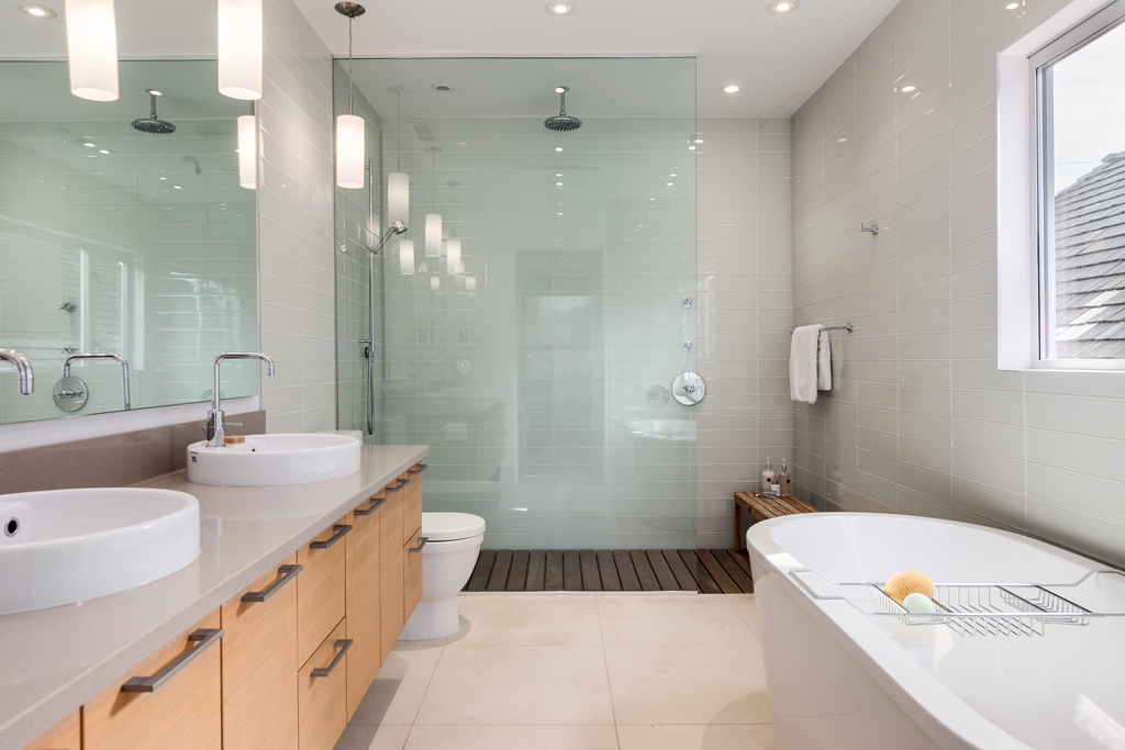 Tips For Your Bathroom Shower and Tub Replacement